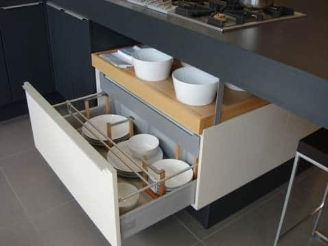 Open Plan Shelves and Pan drawers